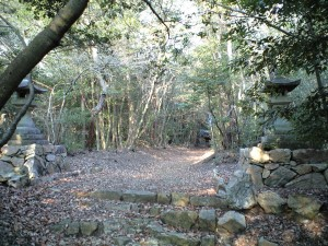関山神社 奥の宮 常夜灯