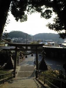 関山神社 石段を上り振り返ると